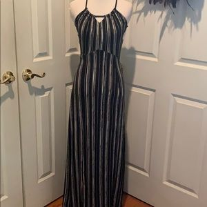 Black and white the maxi dress, flattering style